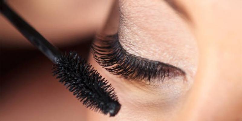 How to use a mascara