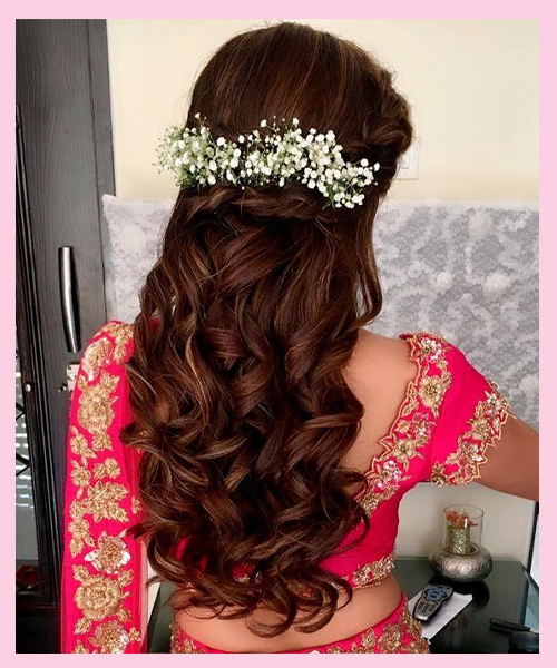 Loose-Curls bridal hairstyle for Indian brides